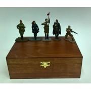 """Набор """"Вторая мировая война, Красная Армия: Женщины"""" № 5  (5 с) в деревянной коробке"""