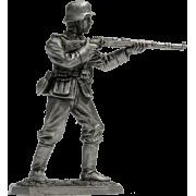 Немецкий пехотинец с винтовкой Mauser 98, 1944-45 гг. VNT-01 (н/к)