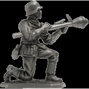 Немецкий пехотинец с Фауст-патроном, 1944-45 гг. VNT-03 (н/к)